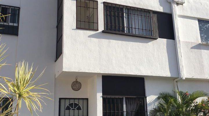 Casa Renta 4 Recam $ 11,000 en privada Av Las Torres SOL del Mayab