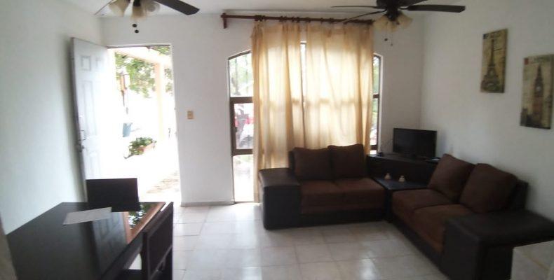 Casa Amueblada Renta $ 8,500 de 3 Recam Av Las Torres Pto Alegre
