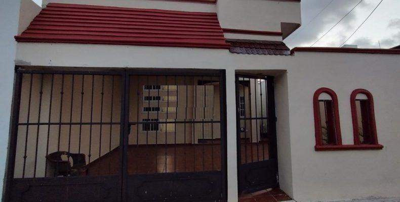 Casa Venta Sta Fe Av 127 casi esquina Av Las Torres$ 1,400,000